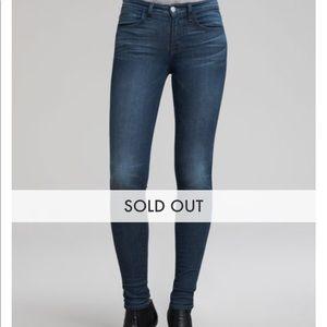 JBrand Skinny Jeans - Barely Worn - comfortable